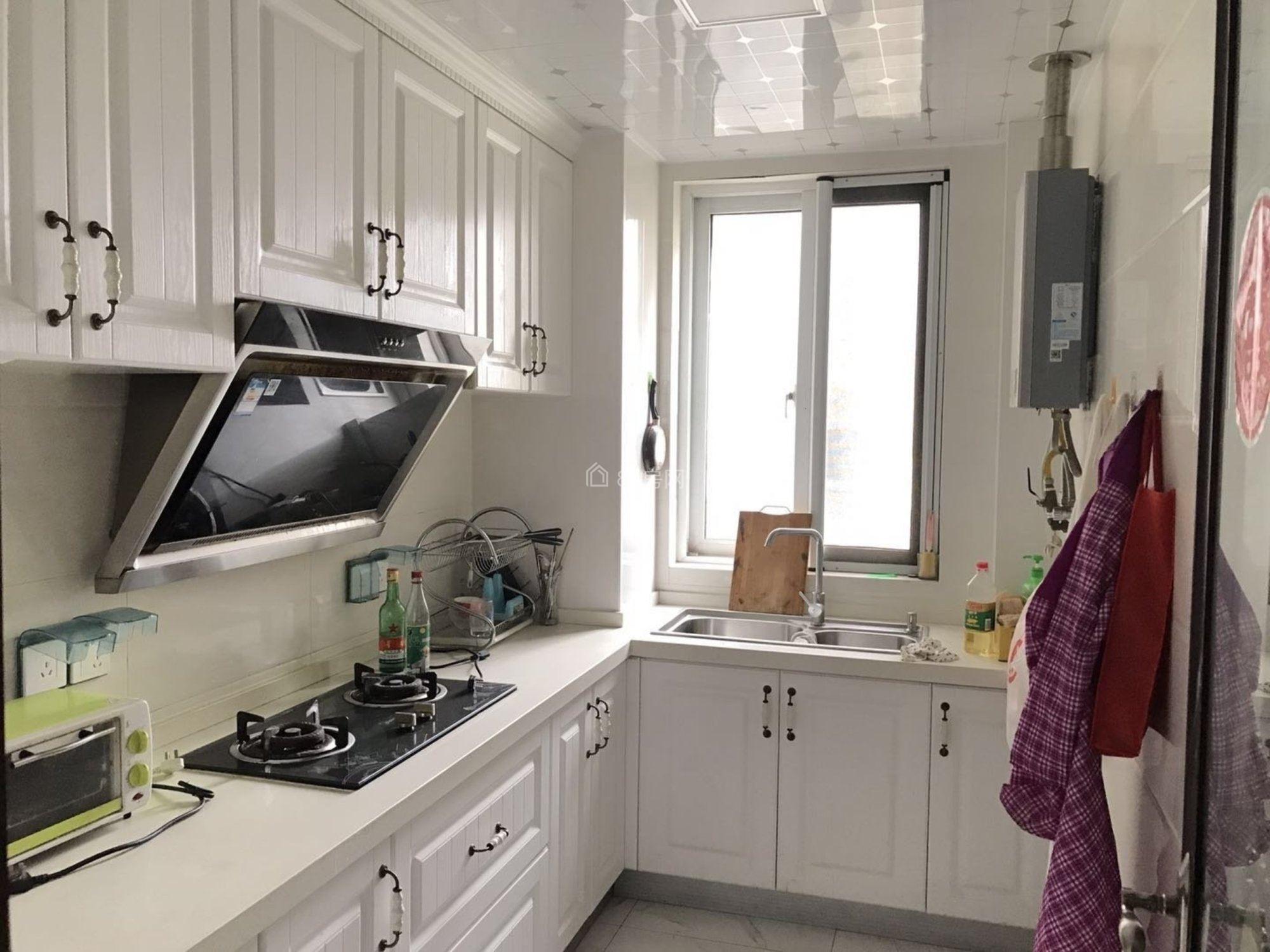 中海锦龙湾 精装修3室 , 位置好,期待您的入住
