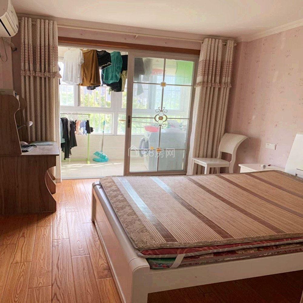 佳家北园,精装两室,家电设施齐全诚心出租,提包入住紧靠奥园!