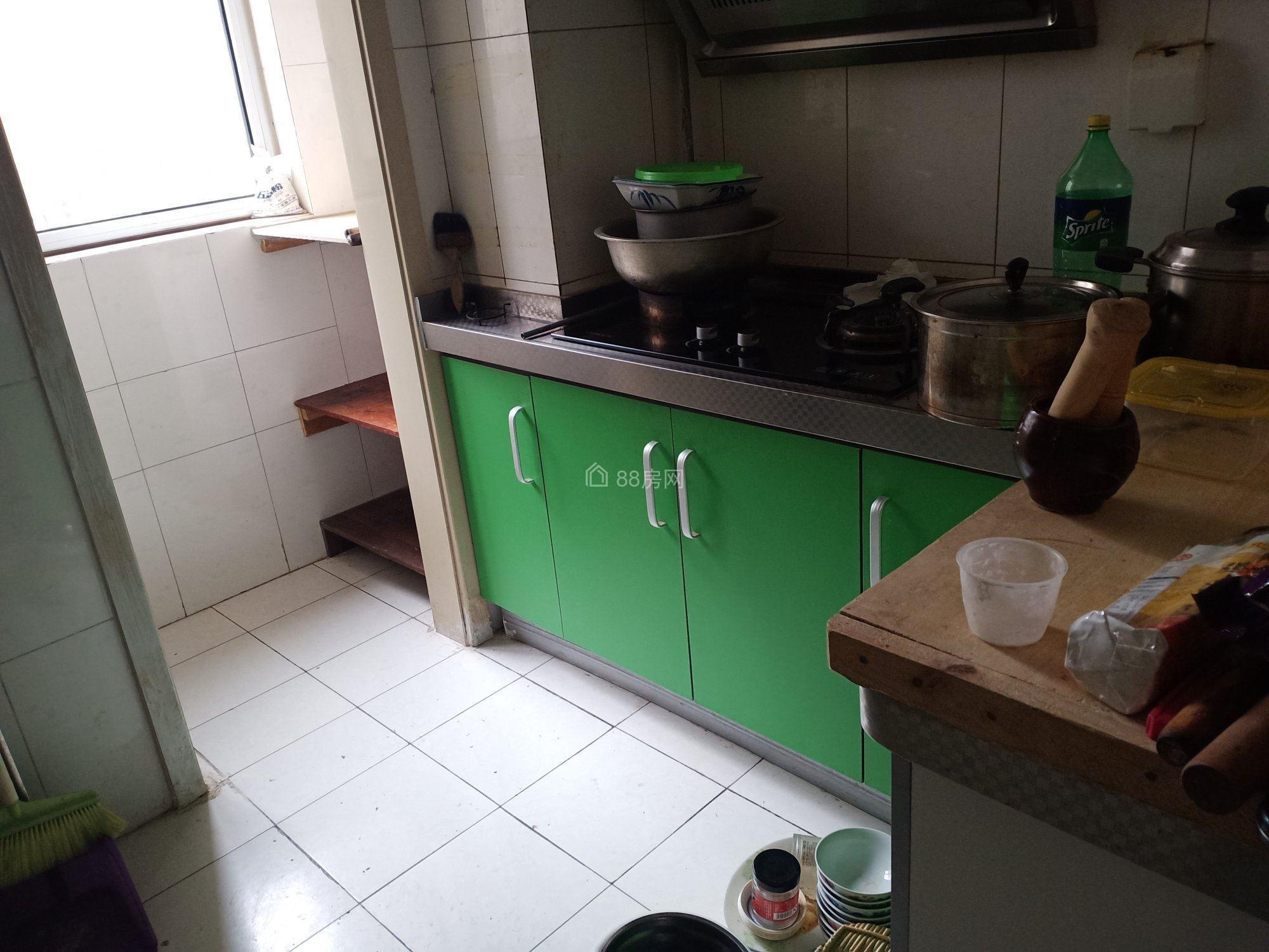 宏仁家园 精装大两居 周边配套齐全 看好房子能优惠