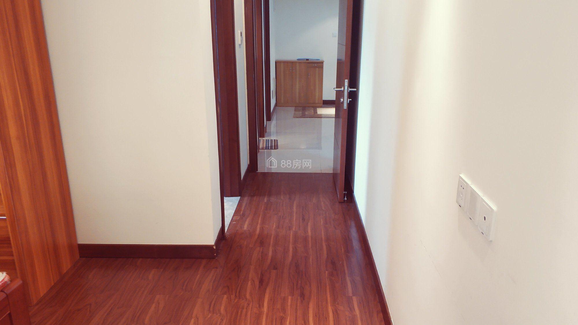吉田国际 精装两房 性价比极高 可随时看房 欢迎来电!