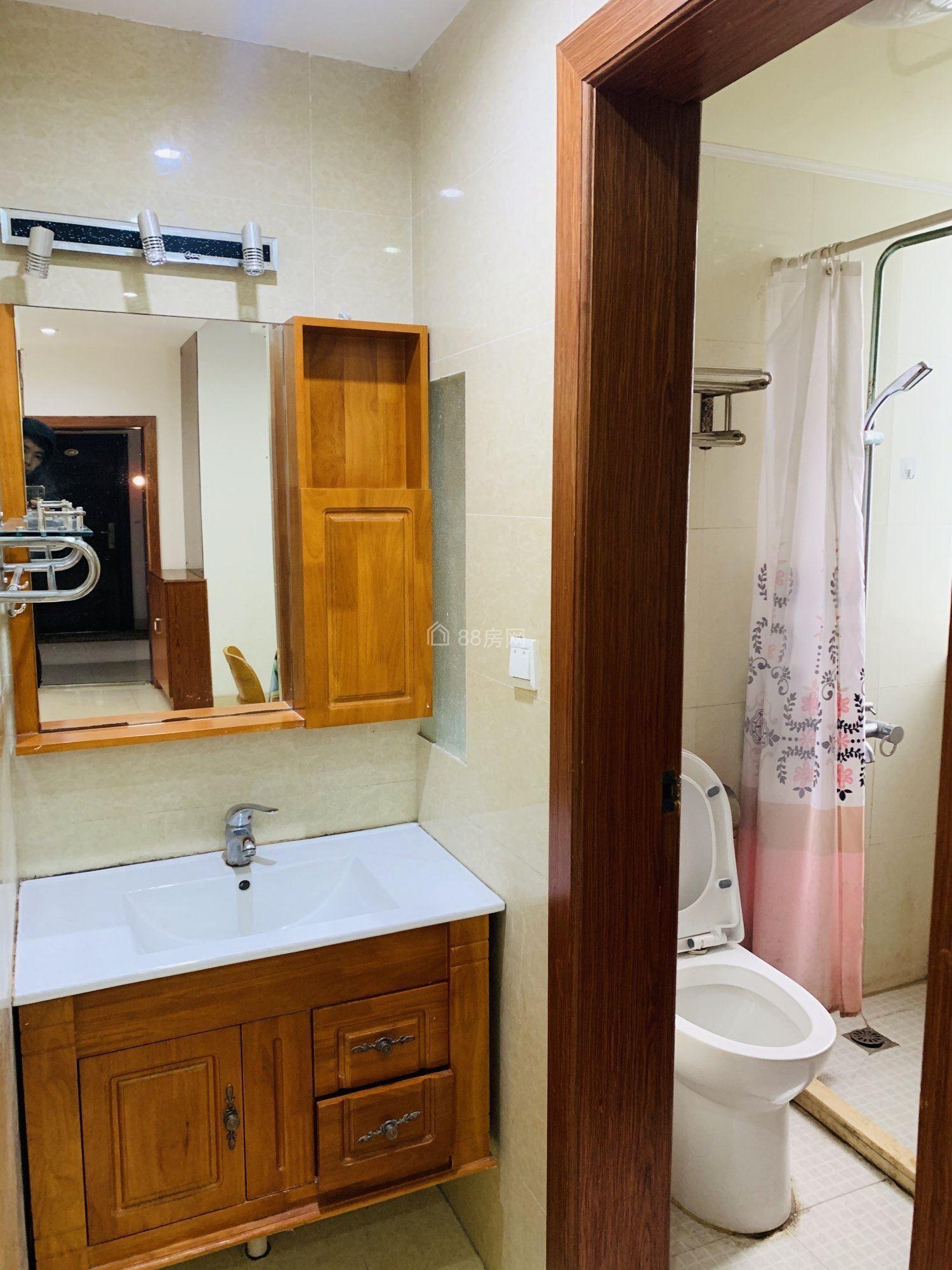 昆城对面小区 真实照片真实价格 精装两房 随时看房 多种挑选