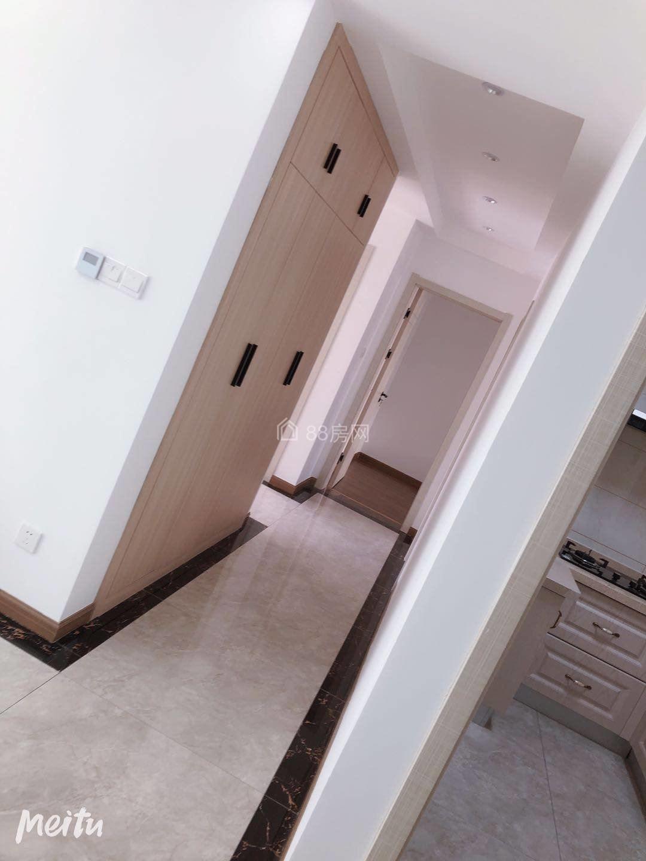出租中南世纪城3房精装,家电家具齐全,拎包入住