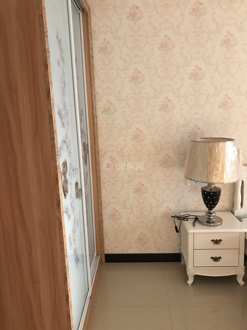吾悦广场暨阳湖附近精装修一室一厅朝西适合附近单身情侣工作者的