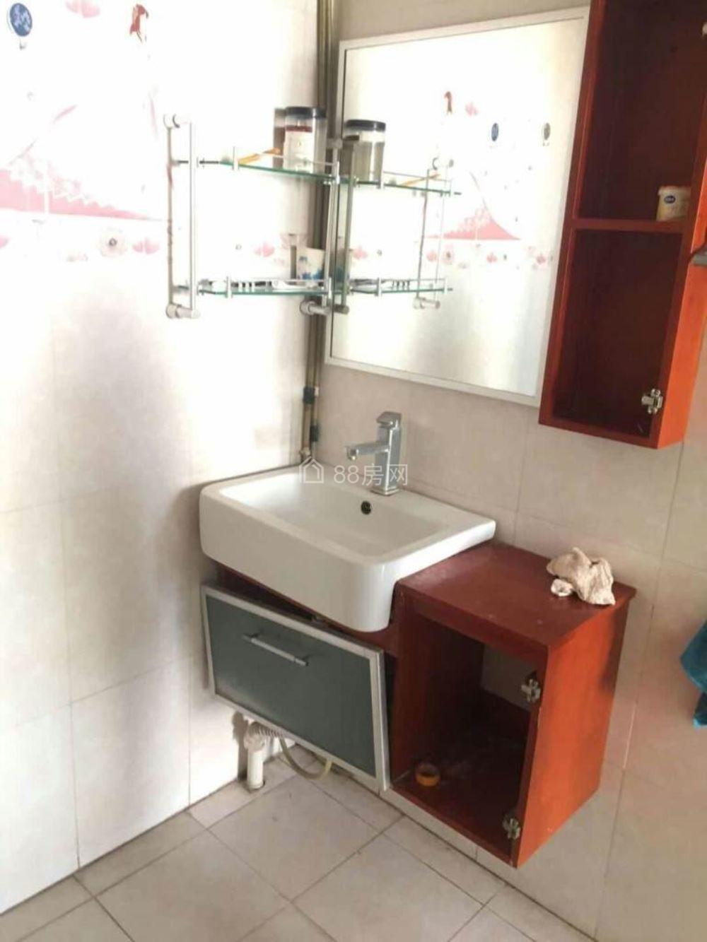 子午路沃尔玛城市尚峰中艺酒店40平米公寓带家具出租800元