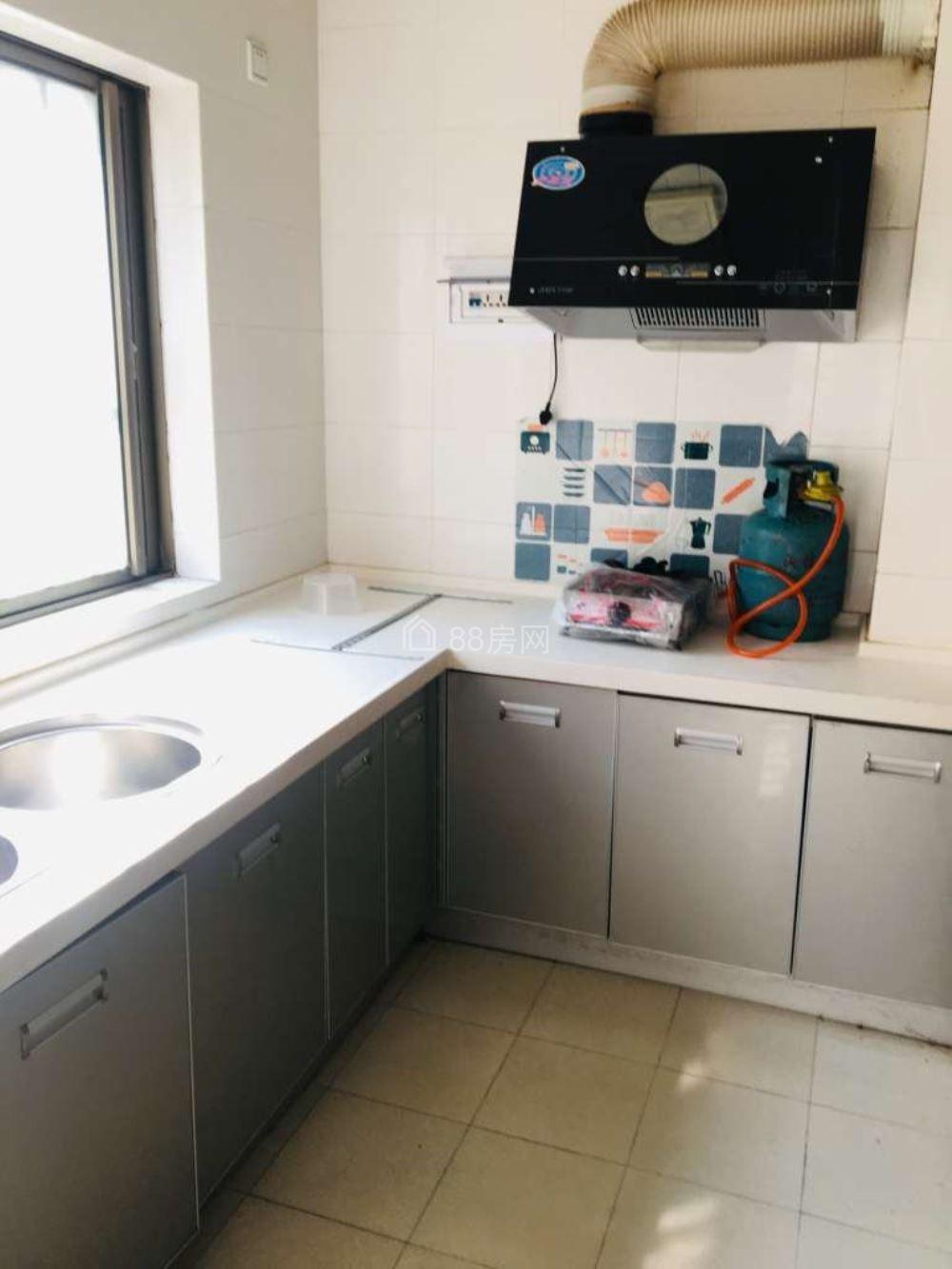 金麟湾旁吉象园100平米3室2厅2卫 带全套家具家电出租