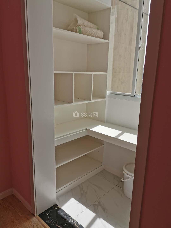 龙塘家园精装修2室2厅  无土出   南北通透  地铁沿线