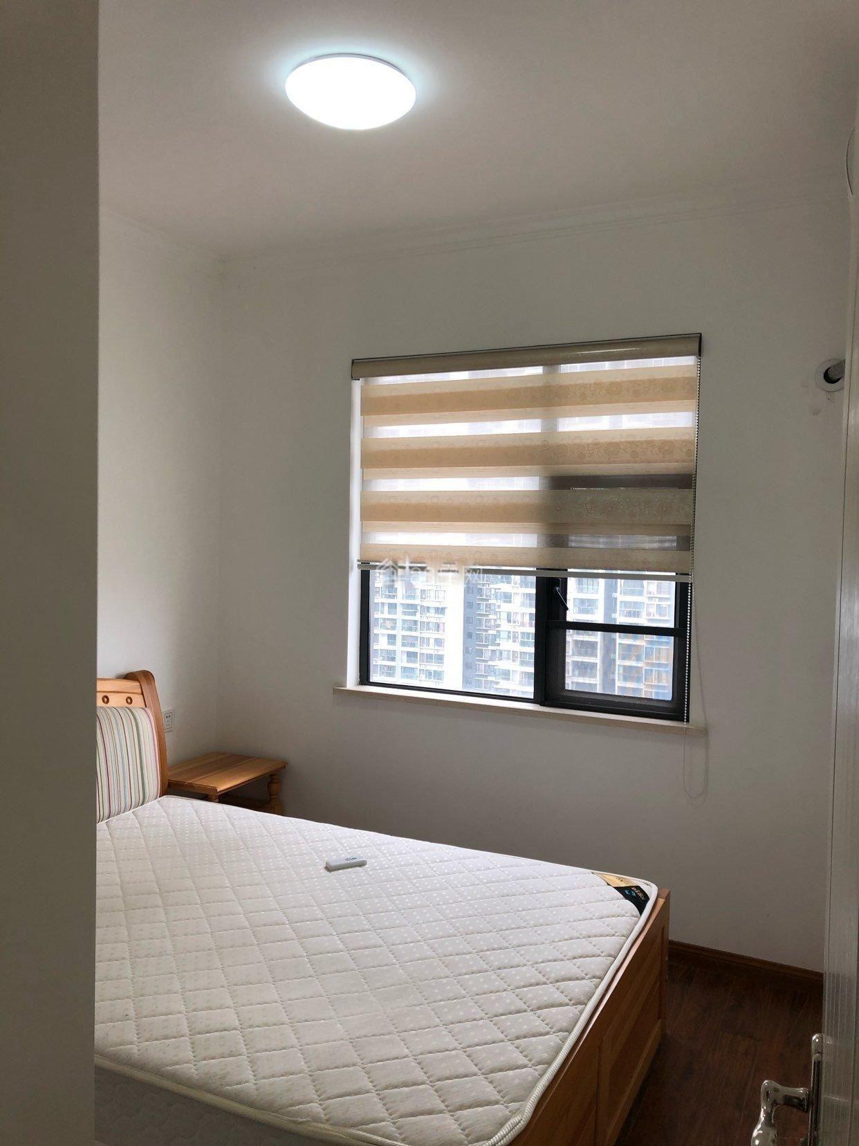 清江润城 3室2厅2卫