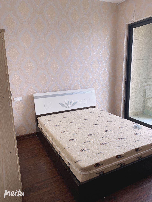 绿城海棠湾清爽装修3室2厅2卫适合一家人居住