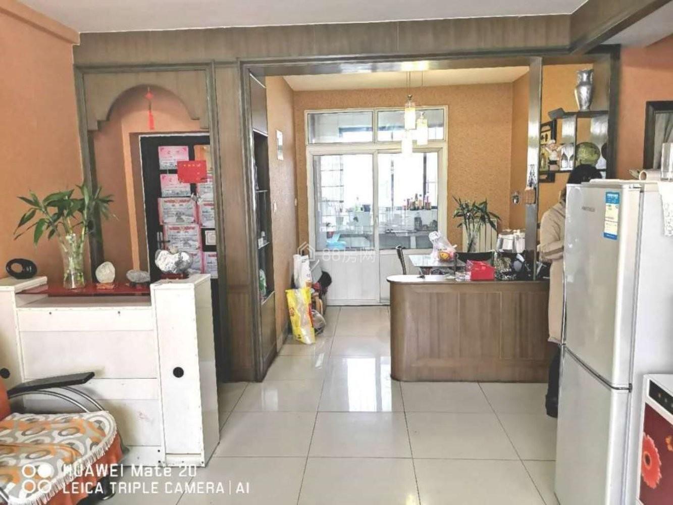 交通局东万隆市场新城嘉园精装两室家具家电齐全拎包入住价格可惠