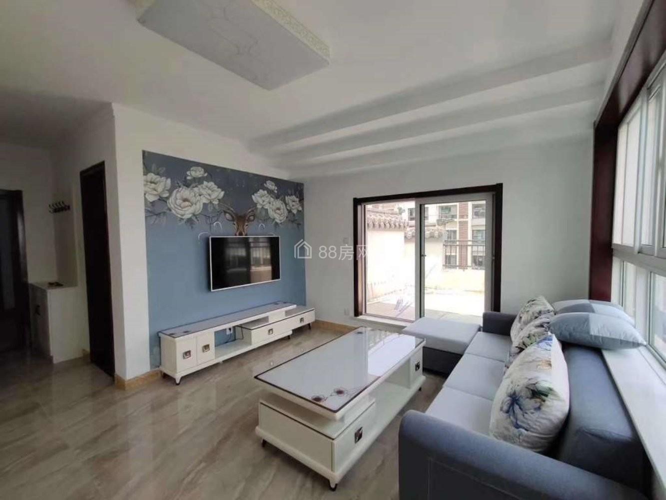 一六泰紫荆城精装两室家具家电齐全拎包入住 接受年中新学生预定