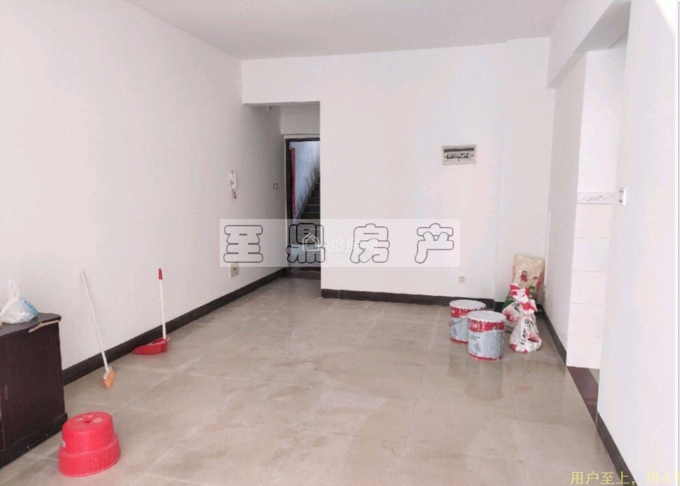 免佣出租高档社区,巨星商都 800元 1室1厅1卫 普通装修