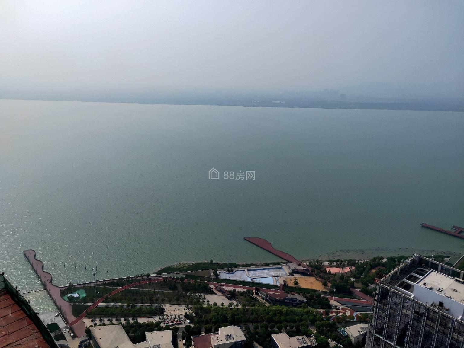 270度环幕景观全方位看湖景与天空平秋色精装交付