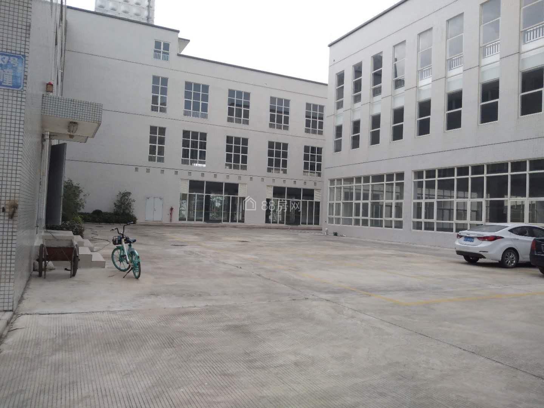 红旗镇中心,可改造 养老院 文化产业园 等项目