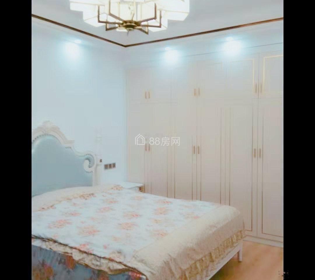 香苑东园 3室2厅1卫