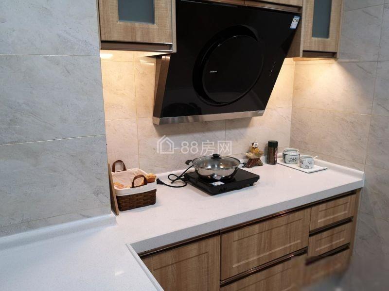 名典公寓 50万 1室2厅1卫 精装修,房主狂甩高品质好房!