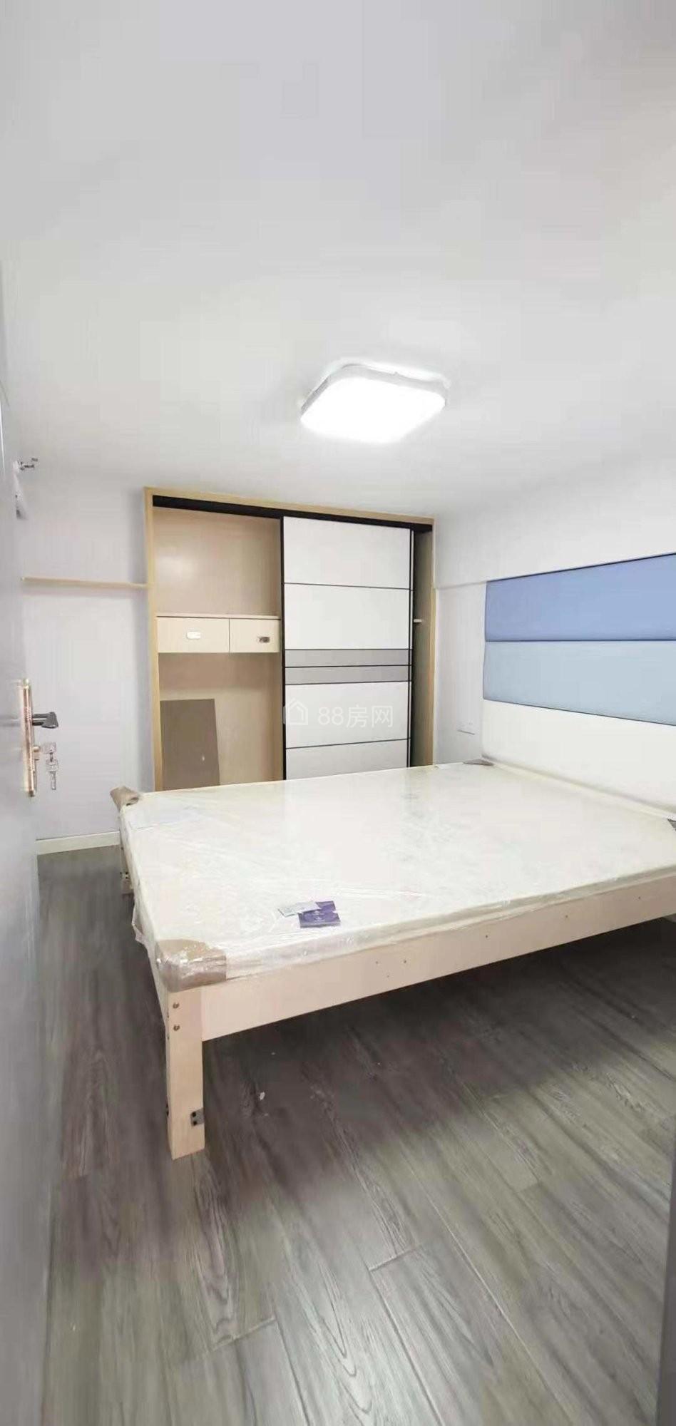 精装loft公寓 2室一厅 蜗牛广场旁 商业综合体旁