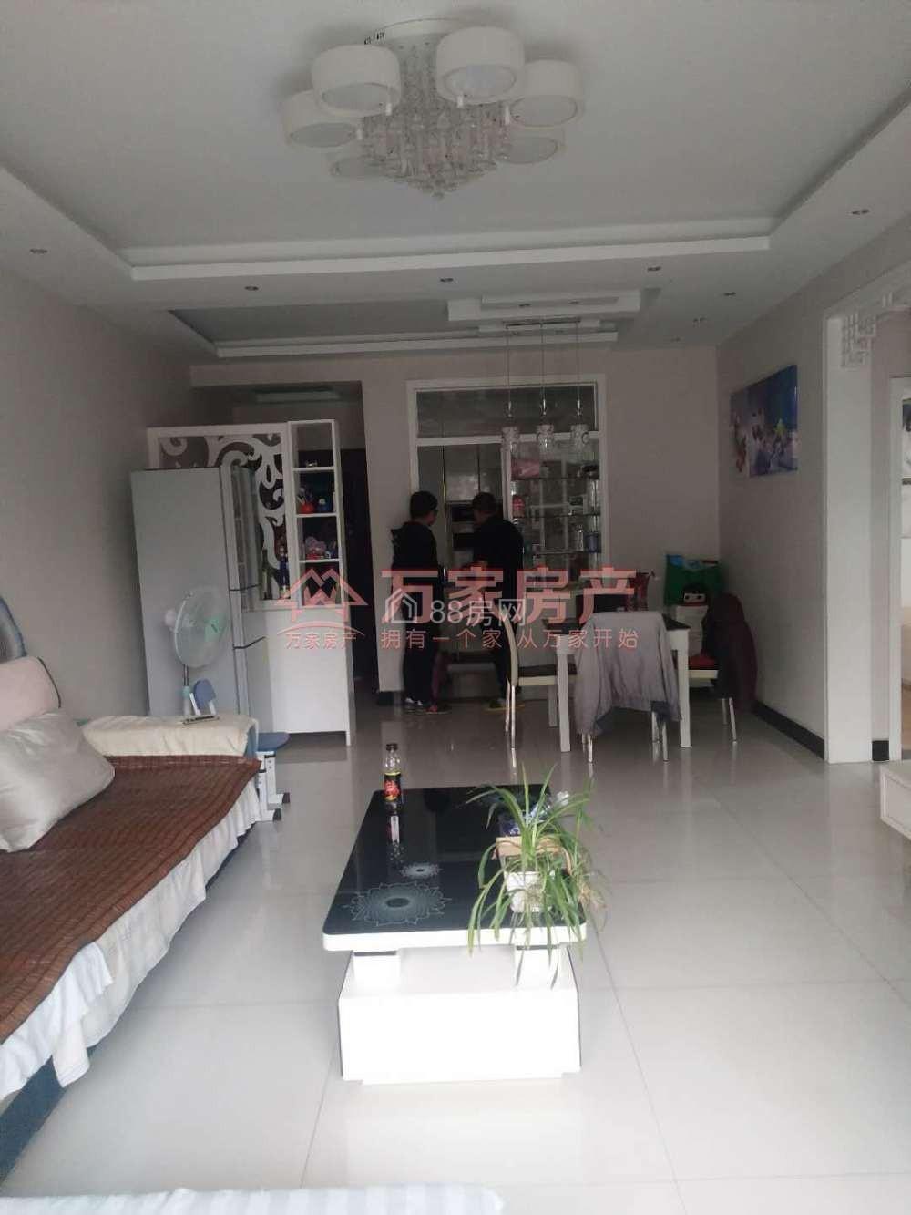 锦芙蓉 1500元 2室2厅1卫 精装修家电全齐,大型花园社