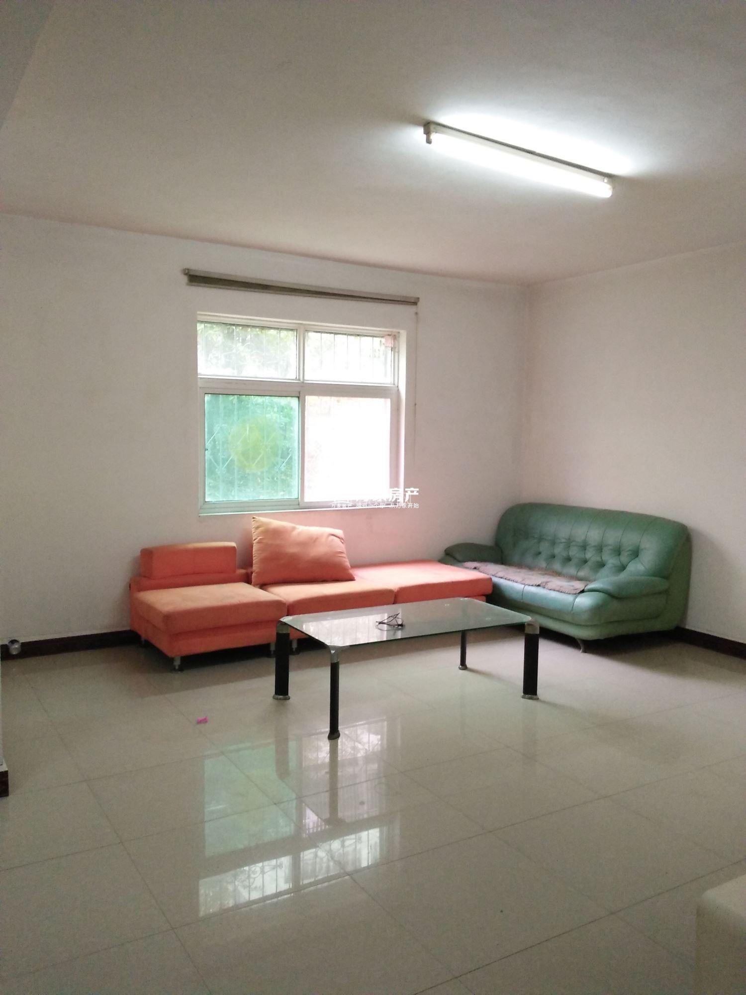 推荐!锦绣花园 900元 2室2厅1卫 普通装修,享受生活的