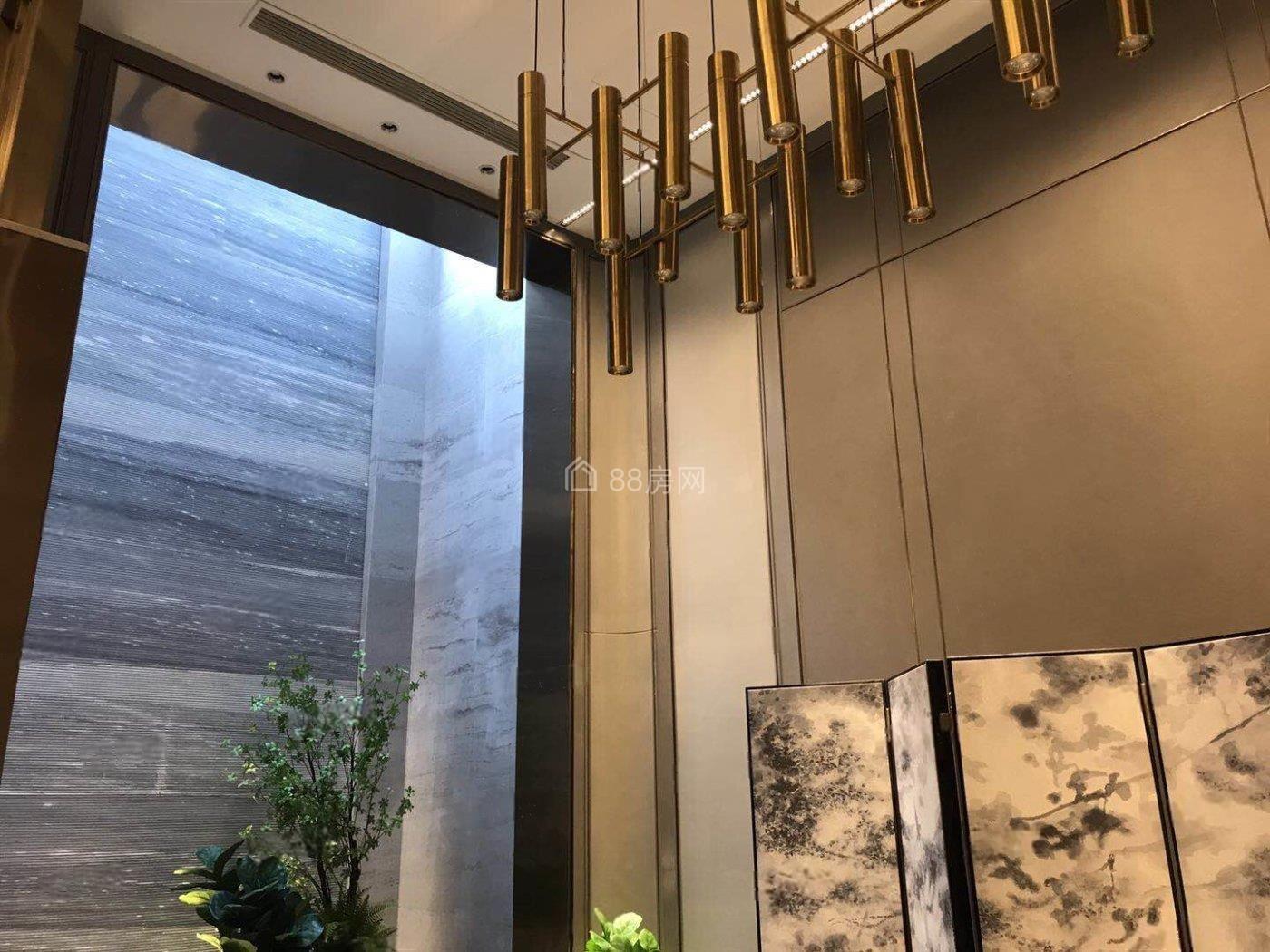 (房东急售)东方国际别墅,吴兴人民法院旁,丝绸小镇景区里。