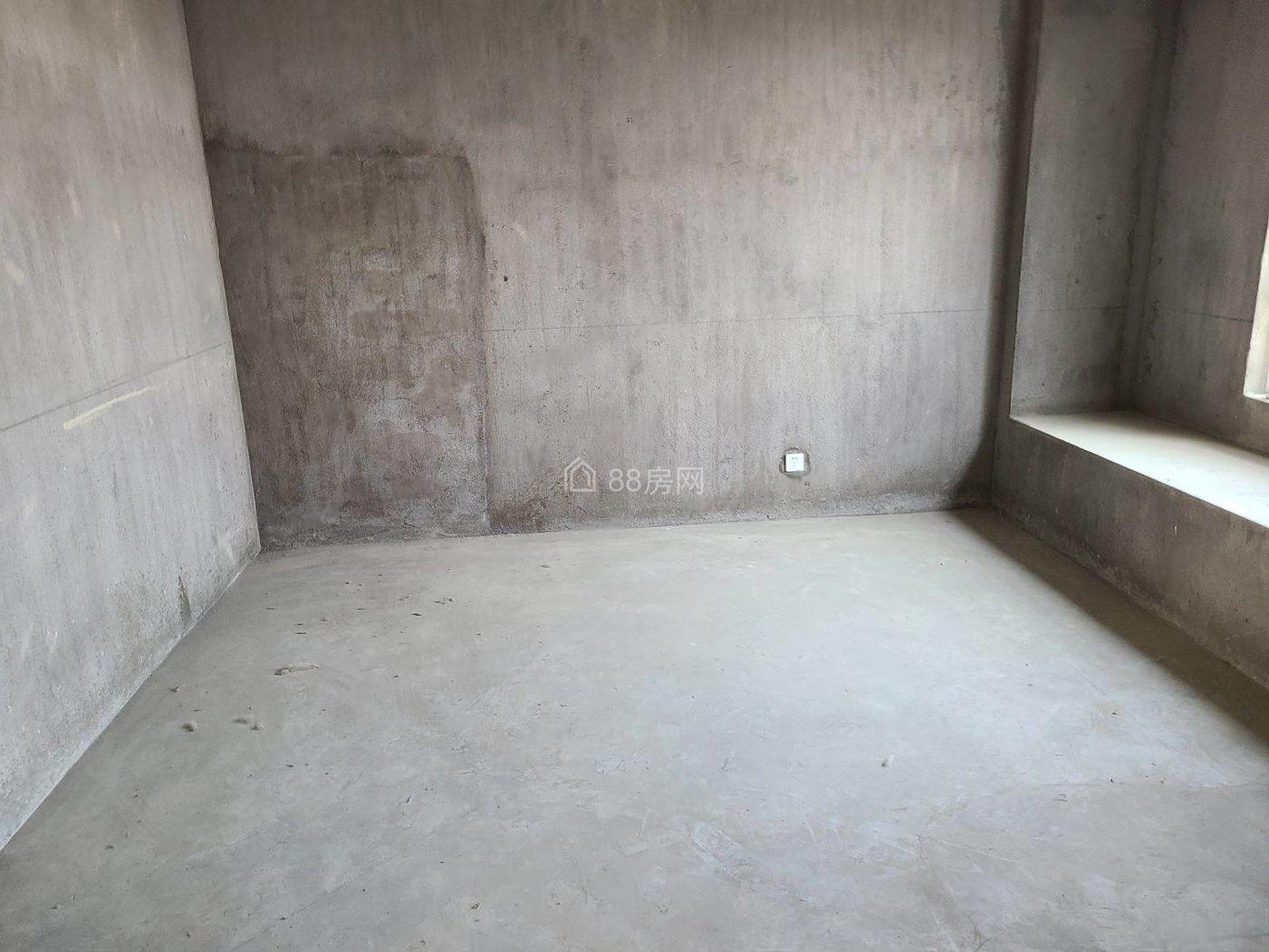 地铁口500米 送车位储 外地人可买 可落户上学 随时看房
