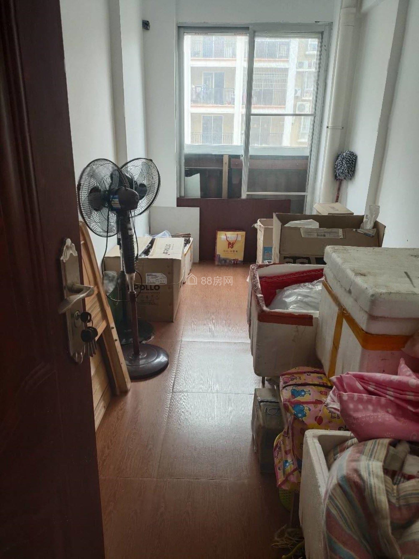 万基中央公馆 65万 4室2厅2卫 精装修好房不要错过