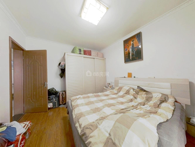丰裕园二期大两房 自住装修 诚心出售