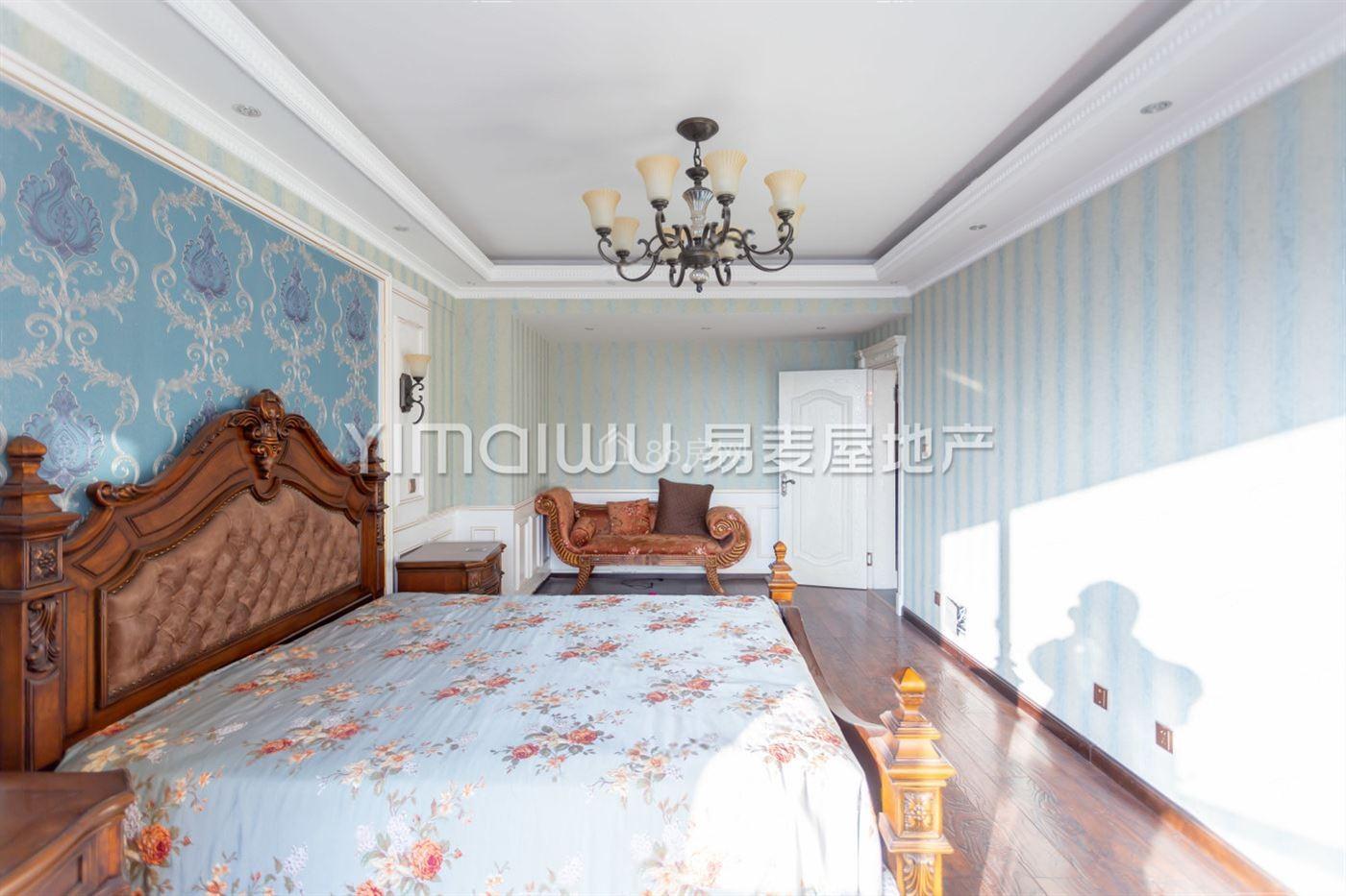 大地世纪小区兰香苑,高层复式大房出售,精致装修无大税