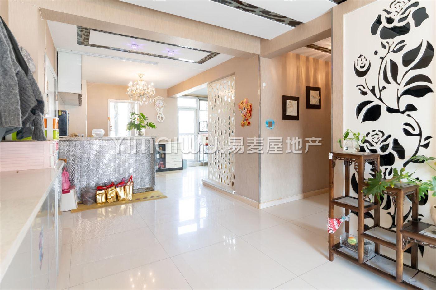 兴庆府大院,精装好房出售,楼层高,学籍可用,楼位居中