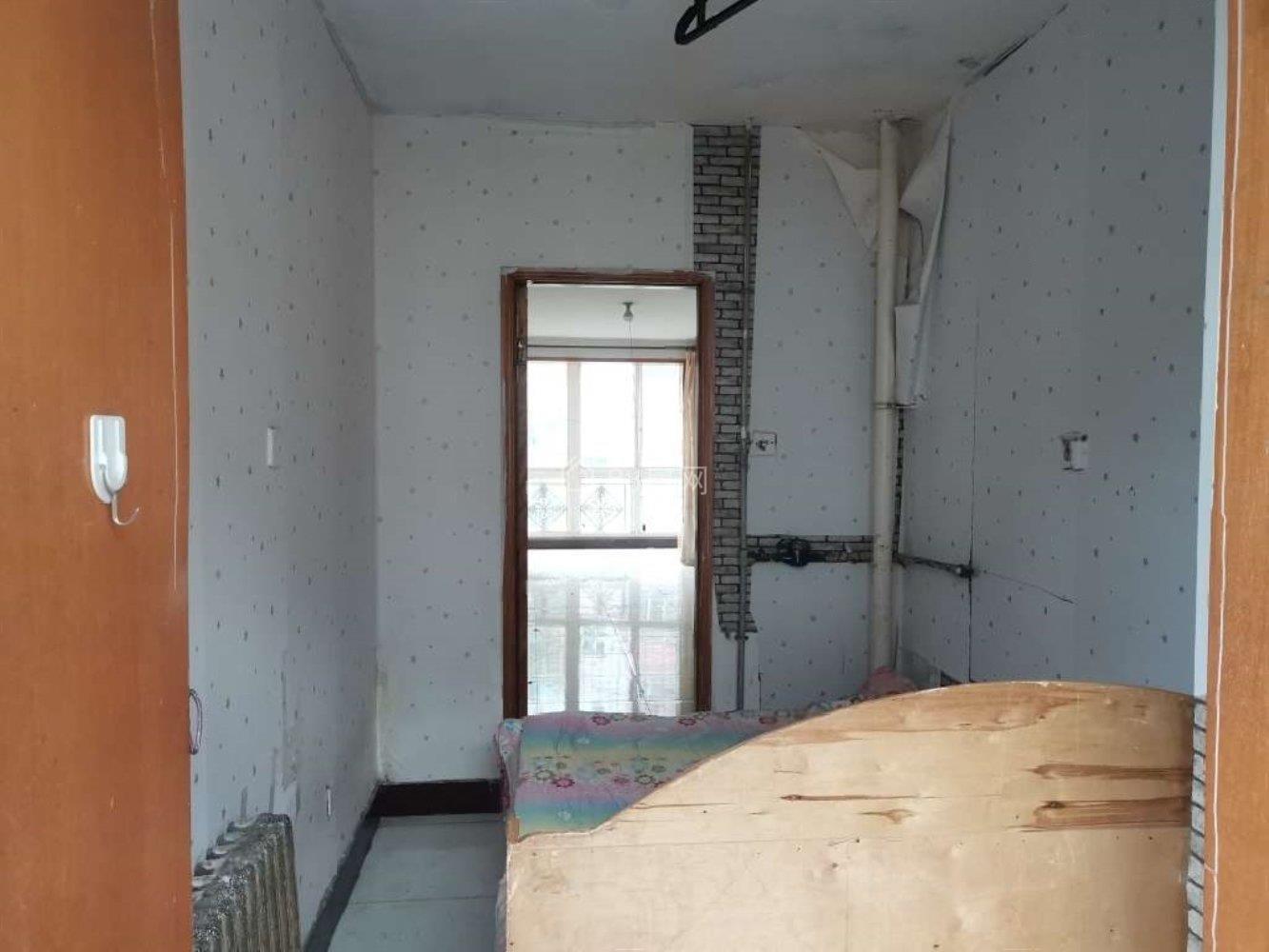 福华里 2室2厅1卫 1500元月 南北通透 96平