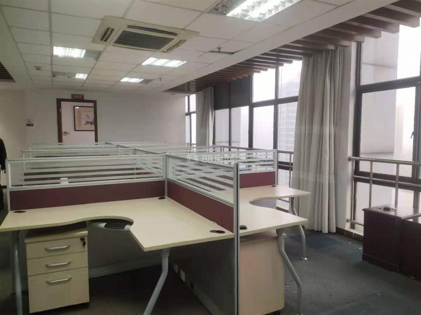 11号线安亭地铁口,世昶生活广场130平精装带办公家具,真实