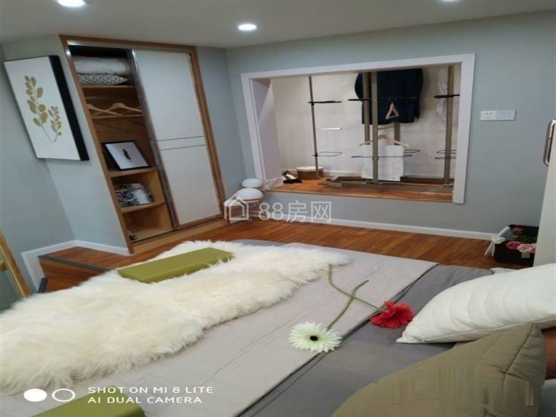 新房:宏图大道白金壳子复式公寓50年产权带天然气不线购