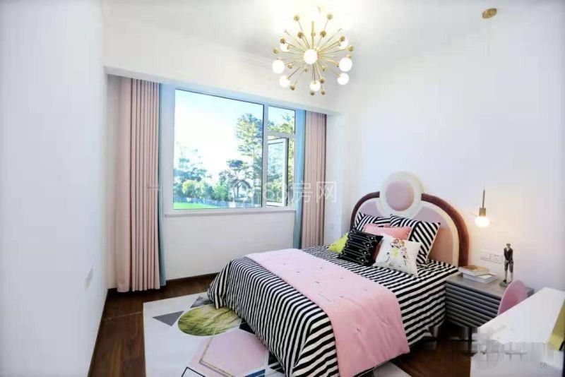 盘龙城地铁口奥特莱斯旁新房均价12500带精装无费用