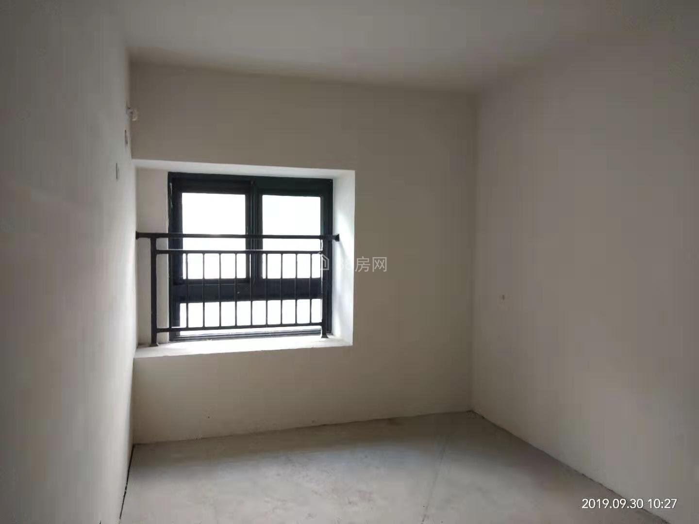 电梯小样房,全新毛坯,景观楼层,得房率高,小区环境优美