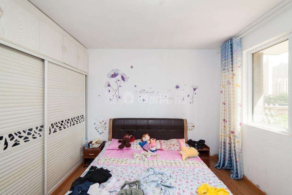 天宁区常发豪郡 精装二室二厅 拎包入住 户型方正 采光好