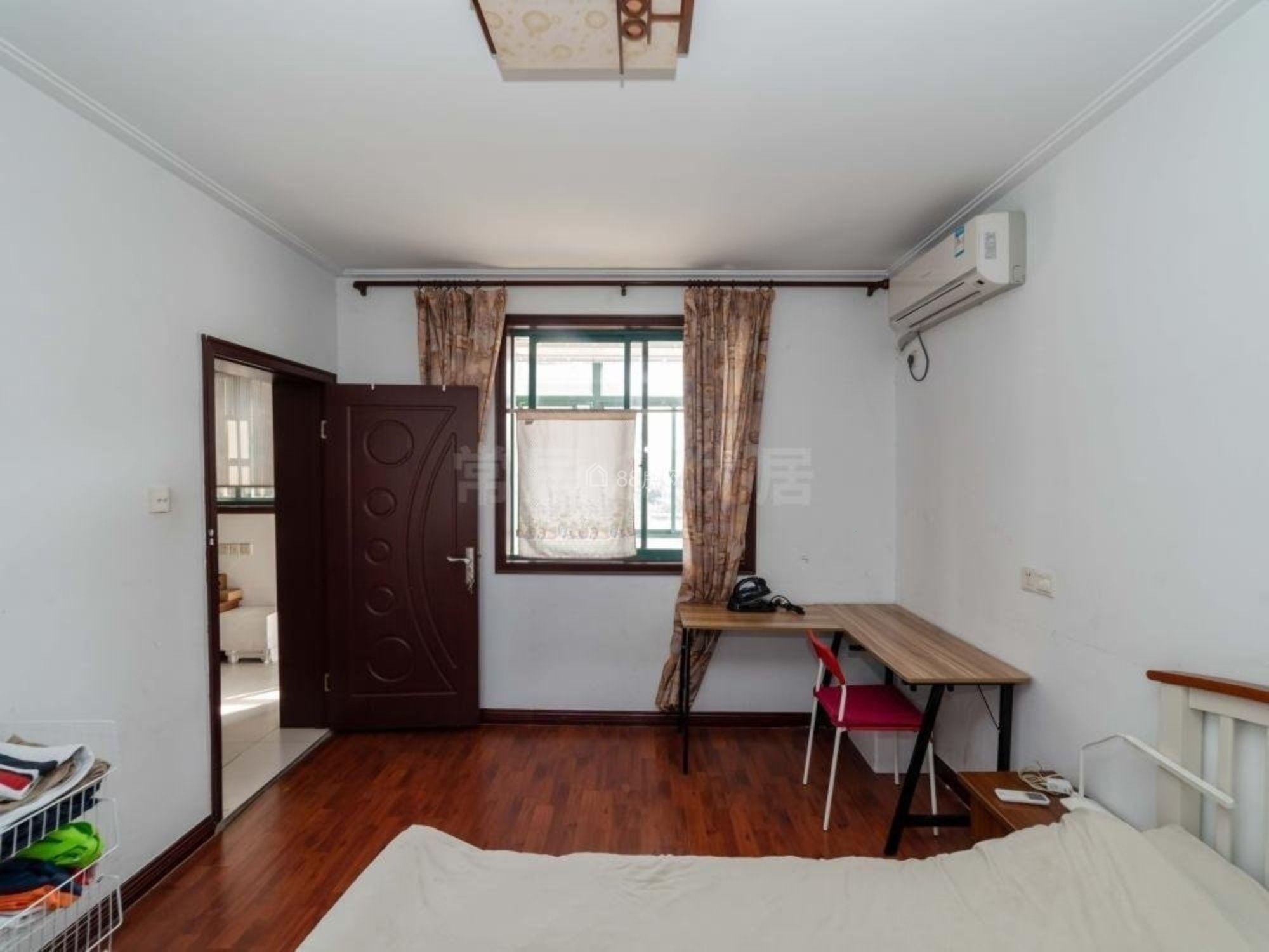 桃园新村 精装两房朝南 户口空 置 24中 元丰巷 地铁口旁
