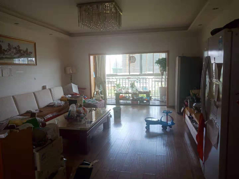 欣文花苑 48万 3室2厅2卫 普通装修低价出售,房主急售。