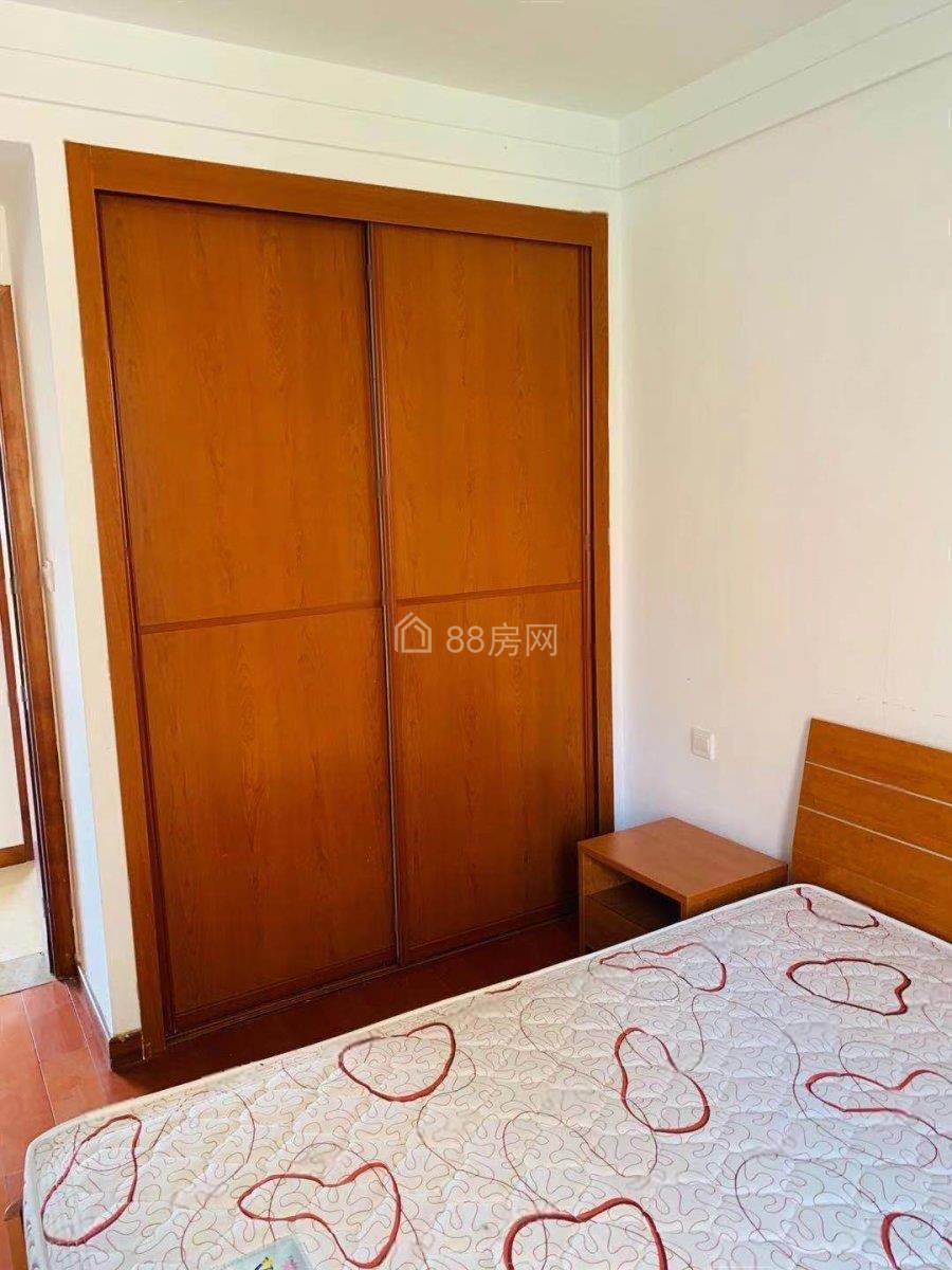 青剑湖 龙湖天街附近,翡翠湖公寓精装2室2厅1卫家具几点齐全
